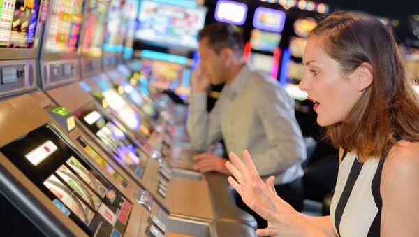 Slečna hraje v kasinu. Ilustrační foto - Sputnik Česká republika