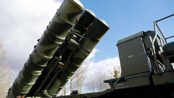 Protiletadlový raketový systém S-400 Triumf - Sputnik Česká republika