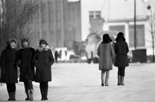 Zimní procházka po Magadanu, 1970. - Sputnik Česká republika