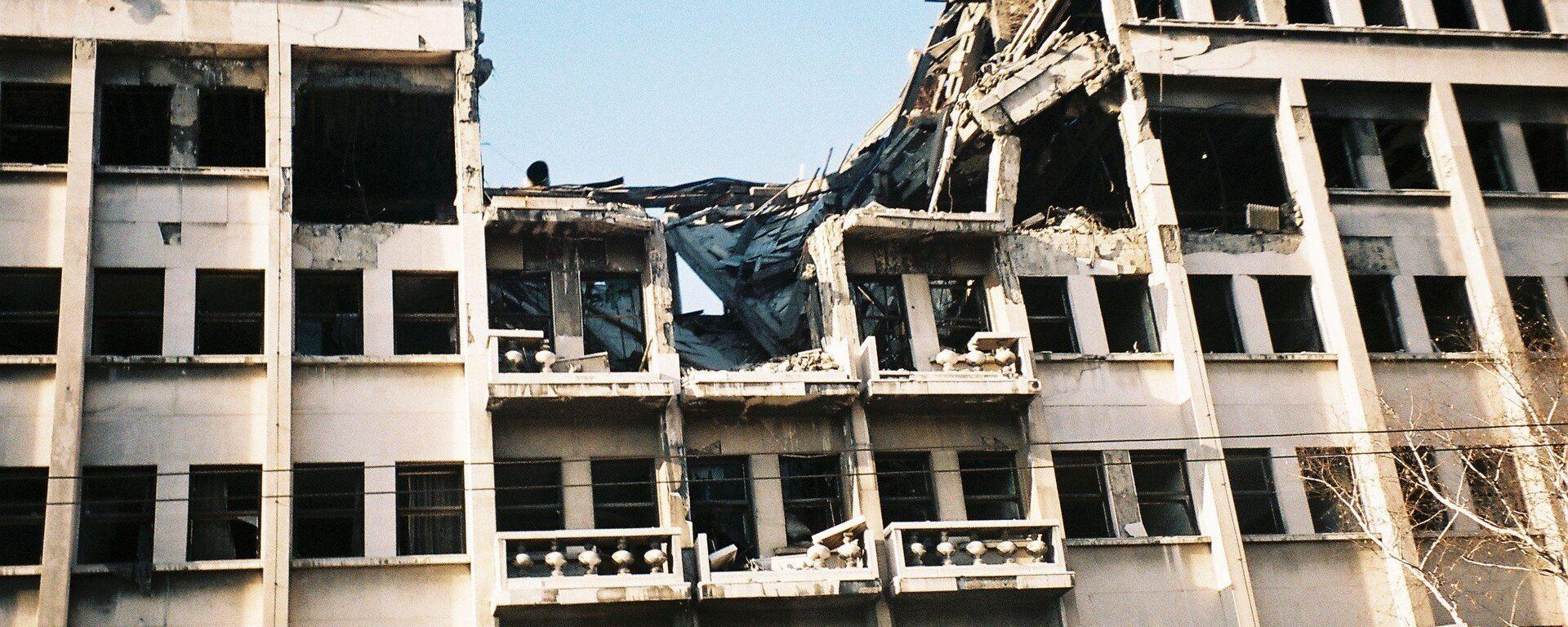 Zničená budova v Bělehradu po bombardování NATO - Sputnik Česká republika, 1920, 20.05.2021