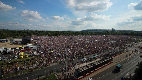 Demonstrace na Letenské pláni pořádaná spolkem Milion Chvilek - 23.6.2019 - Sputnik Česká republika