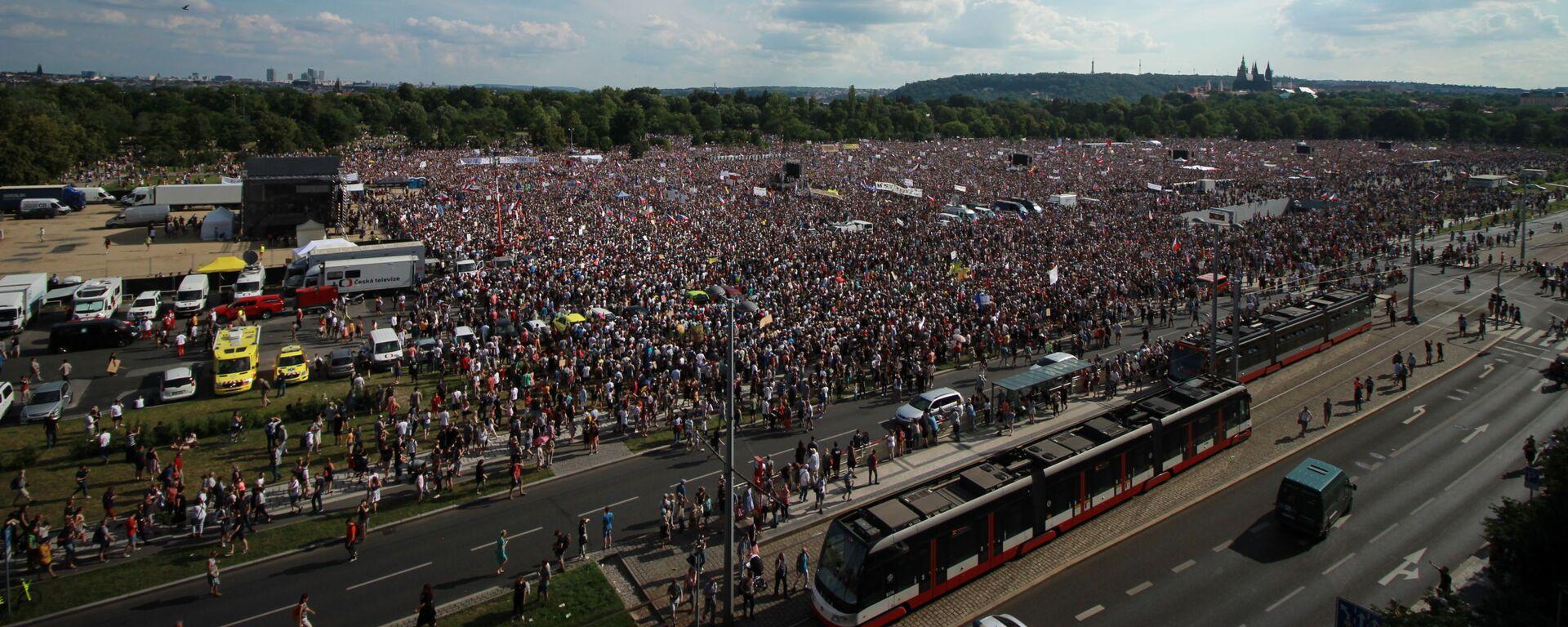 Demonstrace na Letenské pláni pořádaná spolkem Milion Chvilek - 23.6.2019 - Sputnik Česká republika, 1920, 27.04.2021