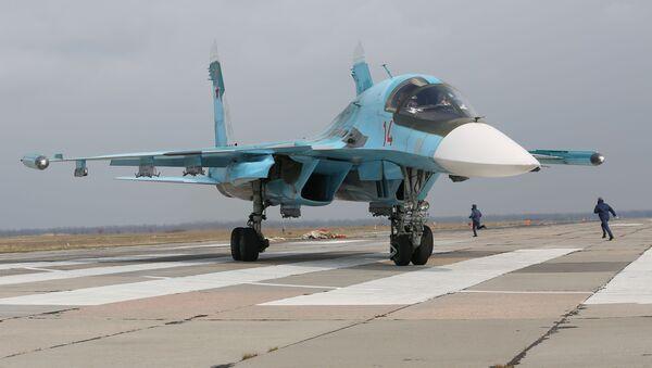 Víceúčelový nadzvukový stíhací bombardér Su-34 - Sputnik Česká republika