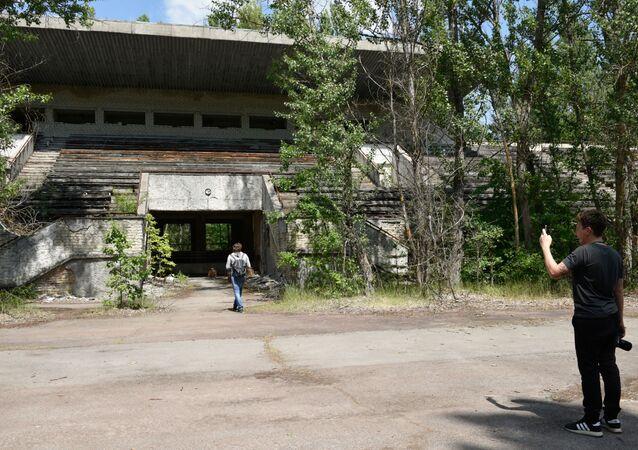 Turisté v Černobylu