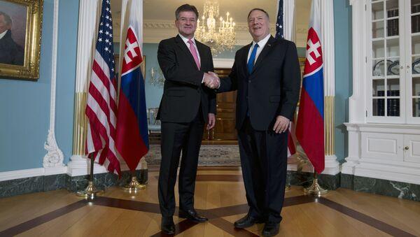 Ministr zahraničních věcí Slovenské republiky Miroslav Lajčák a Ministr zahraničí USA Mike Pompeo dne 22. října 2019 - Sputnik Česká republika