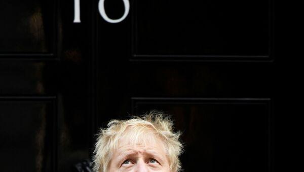 Britský premiér na Downing Street 10 - Sputnik Česká republika