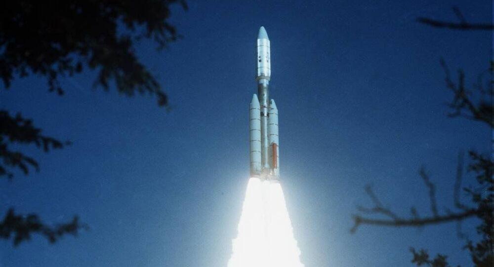 Start sondy Voyager 2, který proběhl 20. srpna 1977