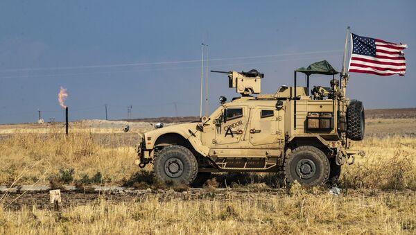 Americká hlídka na hranici Sýrie a Turecka. Ilustrační foto - Sputnik Česká republika