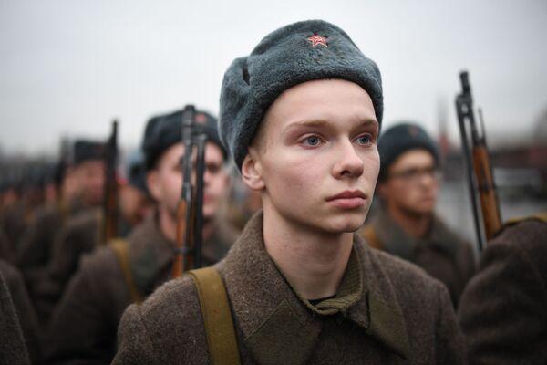 Vojáci v sovětské uniformě během generální zkoušky pochodu věnovanému 78. výročí vojenské přehlídky z roku 1941 na Rudém náměstí. - Sputnik Česká republika