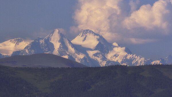 Hora Bělucha na hranici Kazachstánu a Ruska - Sputnik Česká republika