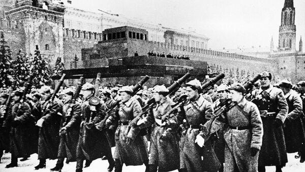 Vojenská přehlídka 7. listopadu 1941 - Sputnik Česká republika