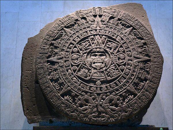 Kamenná kalendářní deska starověkých Aztéků - Sputnik Česká republika