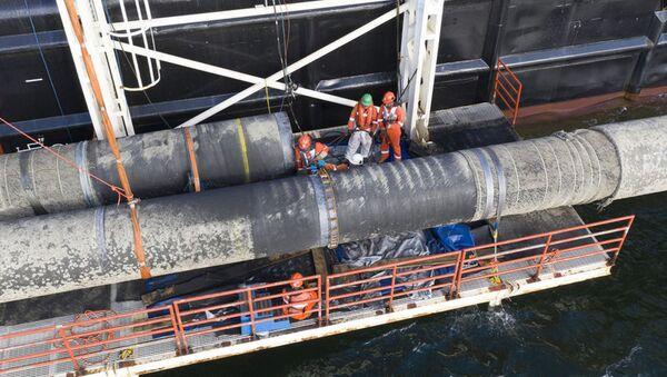 Povrchové svařování při výstavbě plynovodu Nord Stream 2 - Sputnik Česká republika