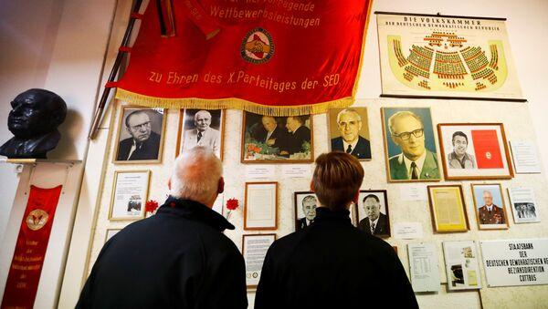 Návštěvníci Muzea NDR v Pirnu, Německo - Sputnik Česká republika