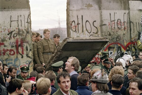 Opona studené války. Jak byla postavena a zničena proslulá Berlínská zeď - Sputnik Česká republika