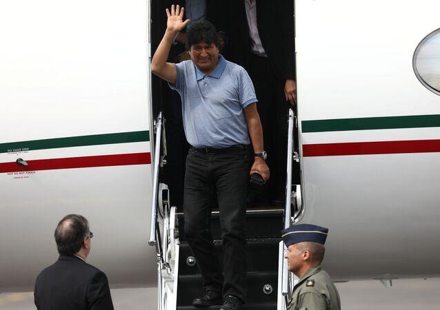 Evo Morales arriba a México