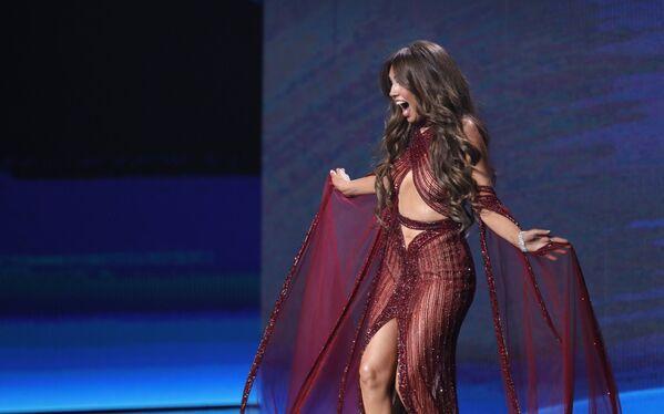 Mexická zpěvačka Thalía na scéně - Sputnik Česká republika