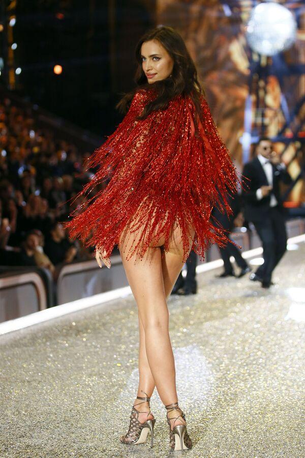 Ruské krásky z řad Victoria's Secret na přehlídkovém mole - Sputnik Česká republika