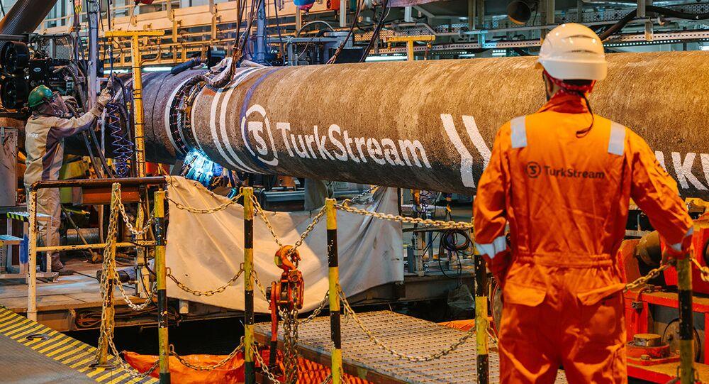 Gazprom naplnil obě linky Tureckého proudu plynem