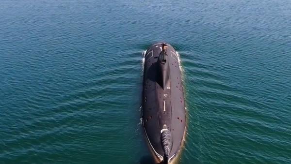 Video: Torpédový útok ruské ponorky na jinou ponorku. Záběry z podpalubí a paluby - Sputnik Česká republika