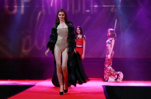Účastnice finále soutěží krásy Ruská krása 2019, Top Model Ruska 2019 a Top Model PLUS 2019. - Sputnik Česká republika
