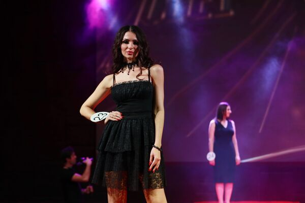 Účastnice finále soutěží krásy Ruská krása 2019, Top Model Ruska 2019 a Top Model PLUS 2019 - Sputnik Česká republika
