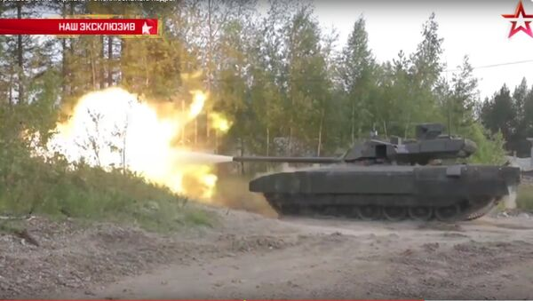Exkluzivní záběry: Armata poprvé střílí před novináři - Sputnik Česká republika