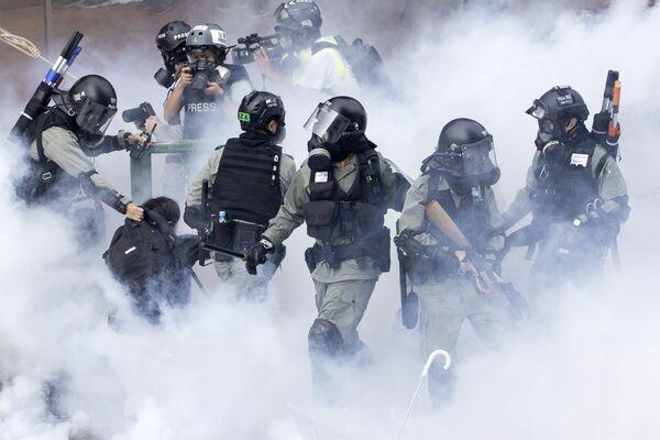 Zadržení protestujících v Hongkongu. - Sputnik Česká republika