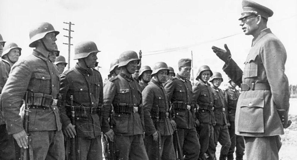 Generál Andrej Vlasov s vojáky ROA