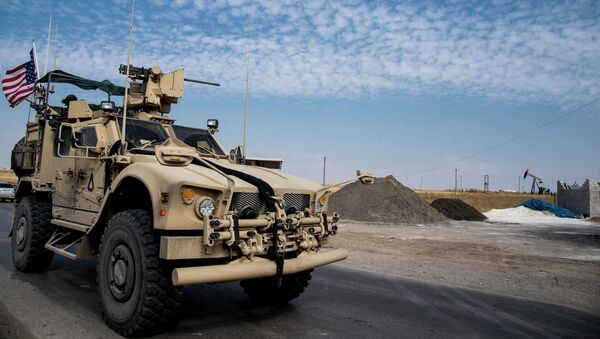 Američtí vojáci hlídají syrská ropná naleziště - Sputnik Česká republika