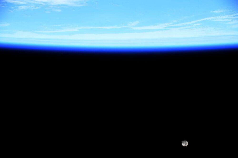 Fotografie Jessicy Meirové z vesmírné stanice