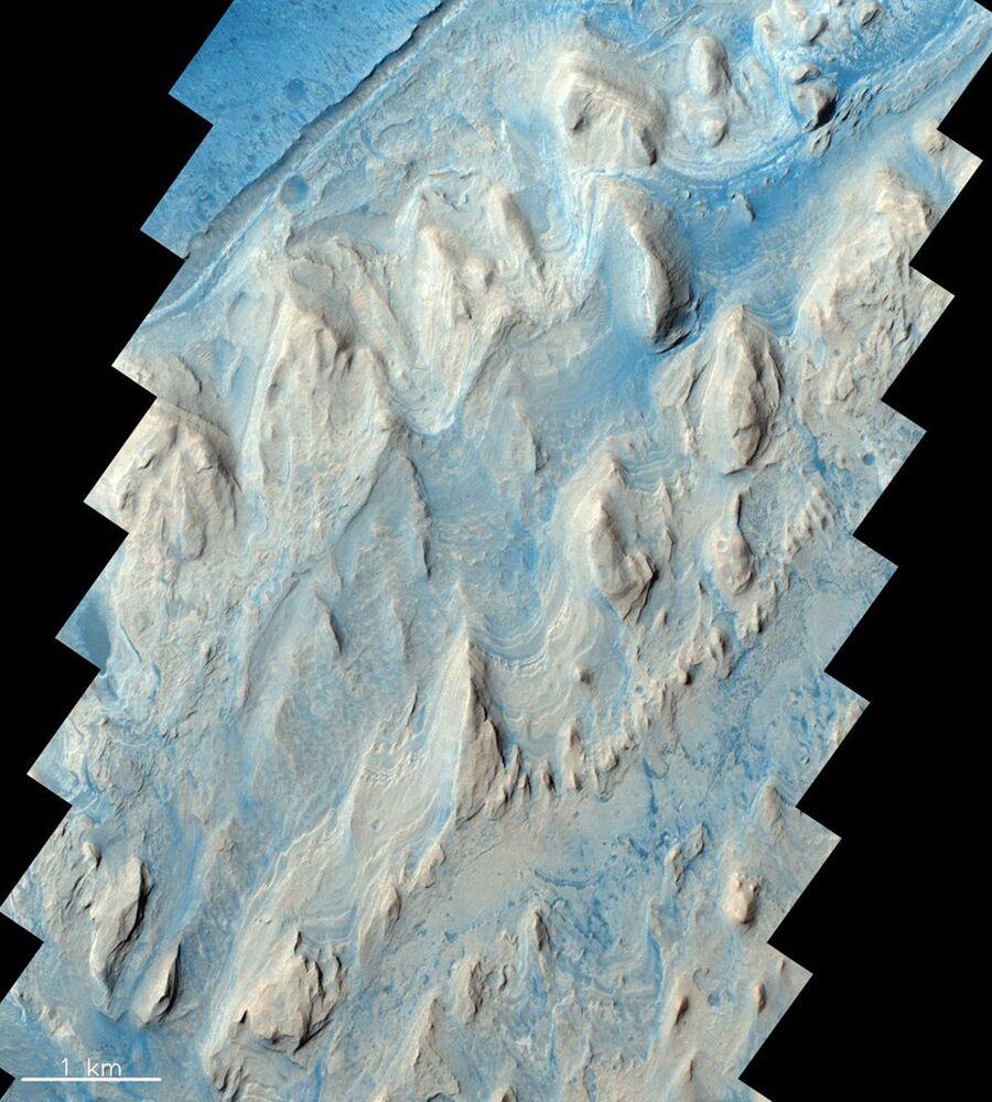 Kráter Gale o průměru 150 km