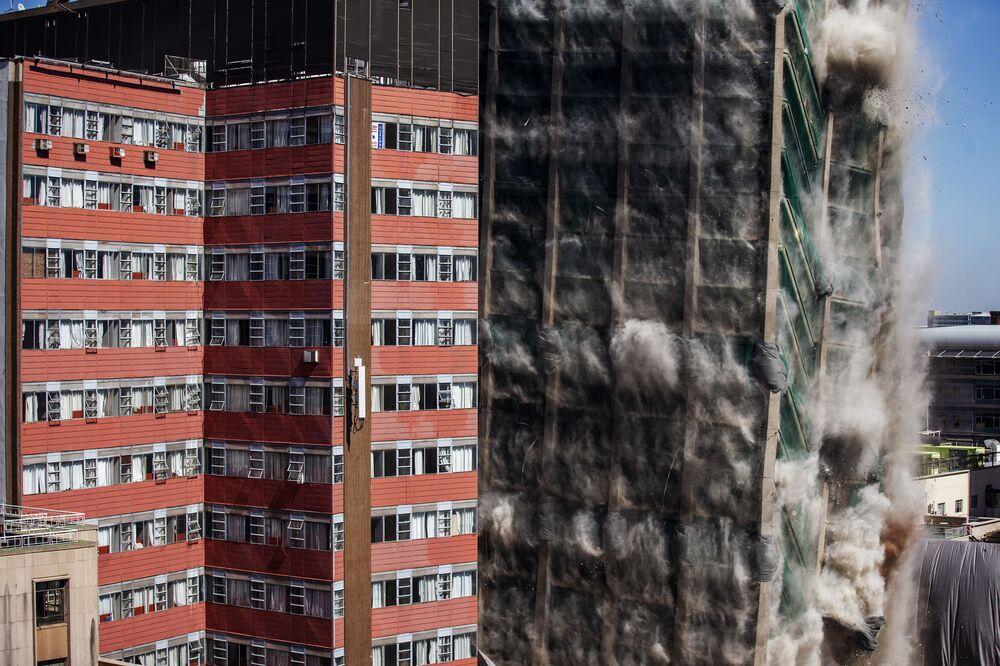 Demolice budovy Lisabonské banky v Johannesburgu, Jihoafrická republika