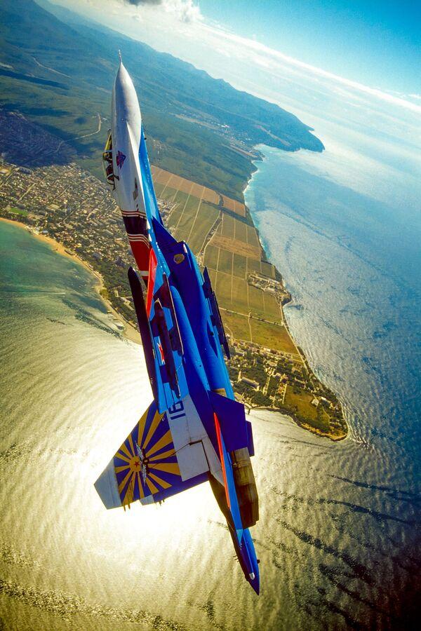Letadlo ruského akrobatického týmu Russkije viťazi - Sputnik Česká republika