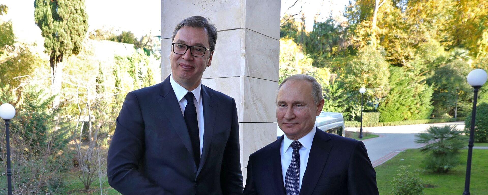 Prezident Srbska Aleksandar Vučić a prezident Ruska Vladimir Putin - Sputnik Česká republika, 1920, 15.05.2020