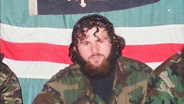 Zelimchan Changošvili v době války v Čečensku. Tuto fotografii sdílel sám na svém Facebooku. Po jeho smrti byla vymazána - Sputnik Česká republika