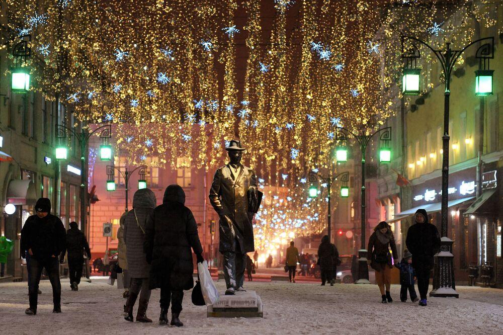 Vítejte v pohádce: Moskva se oblékla do novoroční výzdoby