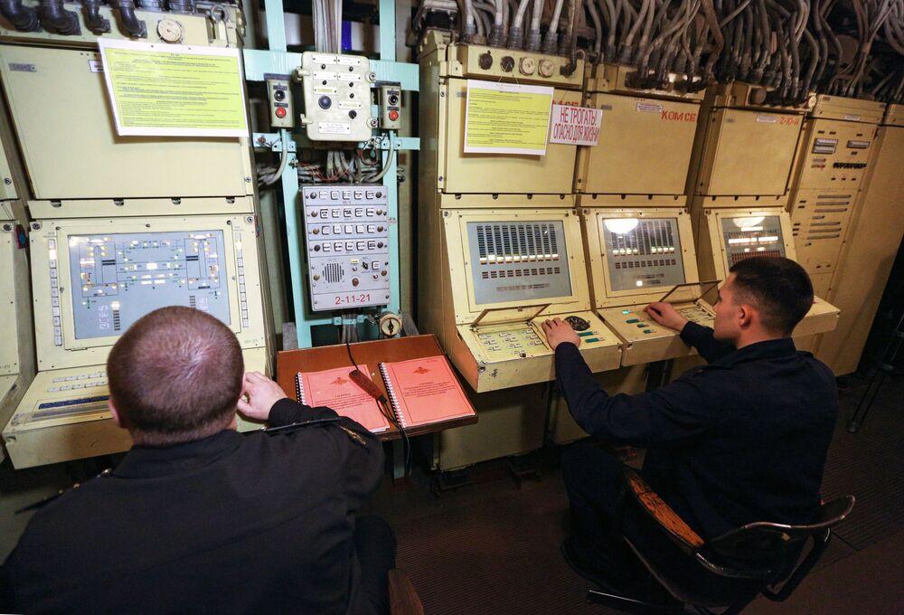 Jaderný pán moří. Podívejte se na sílu a velikost ruského těžkého raketového křižníku Pjotr Velikij
