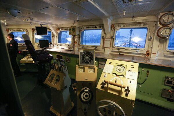 Jaderný pán moří. Podívejte se na sílu a velikost ruského těžkého raketového křižníku Pjotr Velikij - Sputnik Česká republika