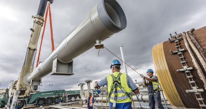 Instalace přijímací kamery na staveništi Nord Stream 2 v Lubminu