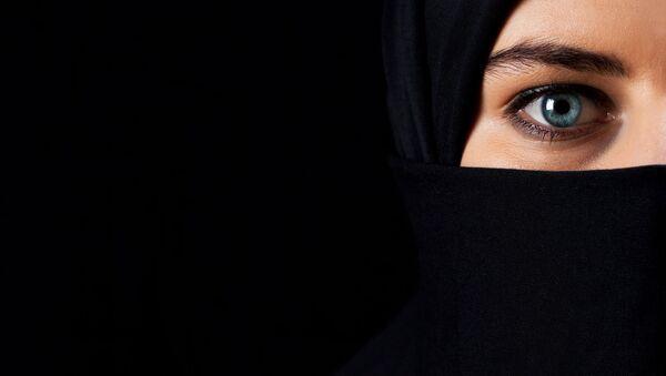 Dívka v hidžábu - Sputnik Česká republika