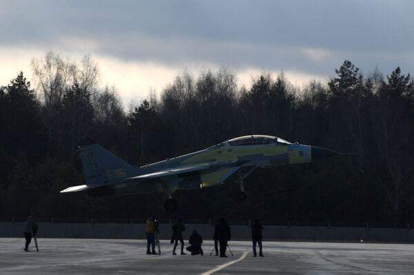 MiG-35 na testovacím prostoru Luchovického leteckého závodu - Sputnik Česká republika
