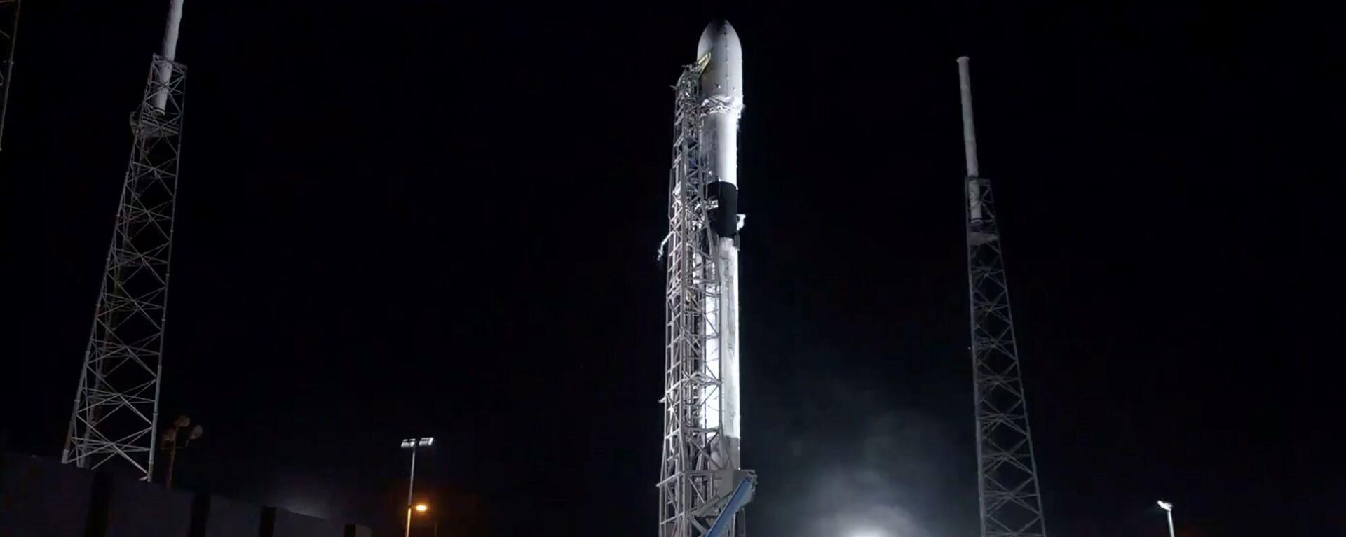 Raketa Falcon-9 společnosti SpaceX  je připravena dopravit na oběžnou dráhu 60 družic Starlink - Sputnik Česká republika, 1920, 06.06.2021