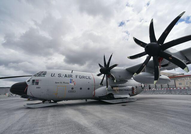 Letoun Lockheed C-130 Hercules. Ilustrační foto