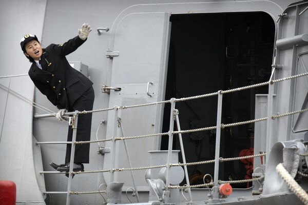 Japonský námořník na palubě torpédoborce Suzuki  - Sputnik Česká republika