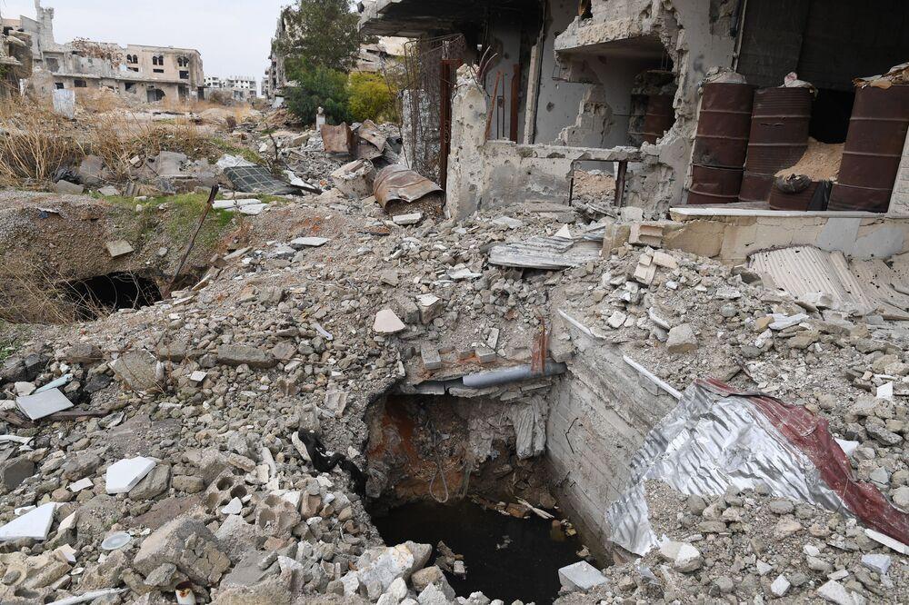 Podzemní skrýš a tunely teroristů.