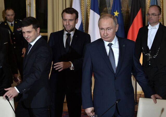 Prezidenti Ruska a Ukrajiny Vladimir Putin a Volodymyr Zelenskyj