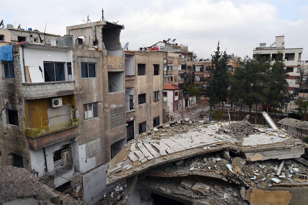 Byty ve zničených budovách města Dúmá, Sýrie