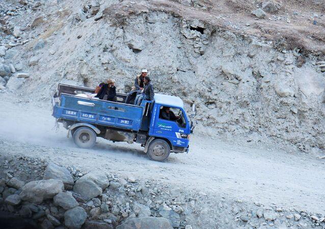Hranice mezi Tádžikistánem a Afghánistánem