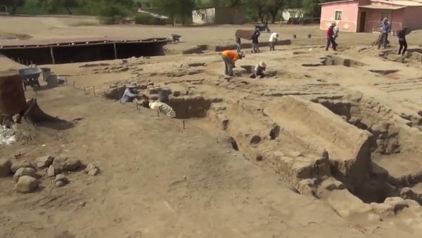 Internetem se šíří video s pozůstatky dětí na starodávném hřbitově v Peru - Sputnik Česká republika